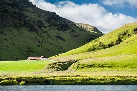 picture of iceland farm  - Farm in the mountains South coast of Iceland - JPG