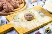 Process Rolling Raw Meatballs Breadcrumbs