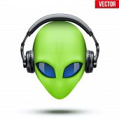 foto of alien  - Alien green head with headphones - JPG