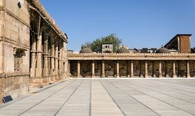 picture of saracen  - Arcade of Jama masjid mosque in Ahmedabad India  - JPG
