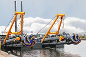 picture of dredge  - New dredge ship in the Dutch shipyard - JPG