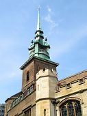 pic of church-of-england  - All Hallows by the Tower is an ancient church dating back to Saxon times - JPG