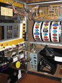 picture of slot-machine  - slot machine inside - JPG