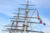 foto of mast  - Upwards view of the old ship - JPG