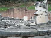picture of oracle  - ancient Greece - JPG
