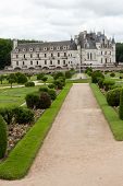 picture of poitiers  - Garden and Castle of Chenonceau - JPG