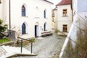 pic of synagogue  - Front synagogue - JPG