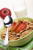 cornflakes with apple