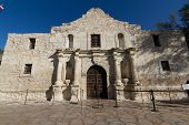 foto of texans  - Interesting Perspective of the Historic Alamo - JPG