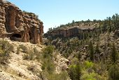Gila Cliff Dwellings canyon
