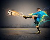 picture of fireball  - A football player throws fireballs at opponents - JPG