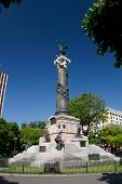 picture of guayaquil  - Important independence monument column in Guayaquil - JPG