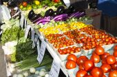 foto of farmers market vegetables  - fresh vegetables at a farmers market in Minneapolis - JPG