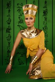 image of pharaohs  - Portrait of beautiful egyptian woman in costume of the Pharaoh - JPG