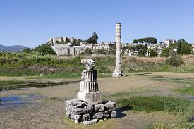 picture of artemis  - Temple of Artemis is one of the 7 wonders of the world of antiquity - JPG