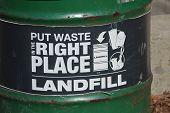 Постер, плакат: Удаление отходов