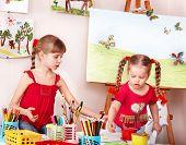 Постер, плакат: Дети живопись цветной карандаш в дошкольных учреждениях