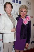 LOS ANGELES - MAR 18:  Julie Andrews; Mitzi Gaynor arrives at the Professional Dancer's Society Gyps