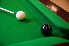 pic of snooker  - Snooker ball on snooker table - JPG