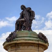 image of william shakespeare  - Statue of William Shakespeare - JPG
