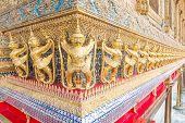 picture of garuda  - Garuda temple built to bear the great figures of the undertakings unique Thailand - JPG