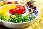 picture of eat me  - Light organic salad with flowers - JPG