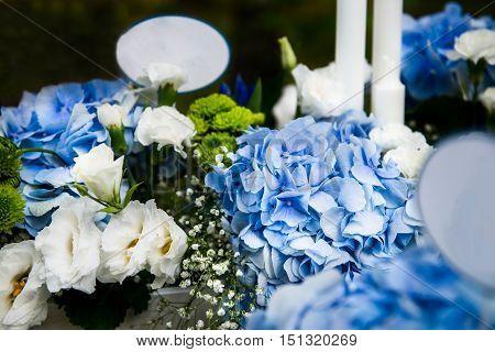 Wedding Decor With Beautiful Flowers