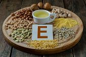 image of sunflower  - Foods containing vitamin E - JPG