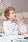 picture of thinker  - Young thinker - JPG