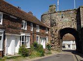foto of reign  - The Landgate in the village of Rye - JPG
