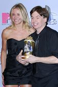Cameron Diaz and Mike Myers in the press room at the 2007 MTV Movie Awards. Gibson Amphitheatre, Uni