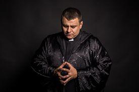 image of priest  - The priest - JPG