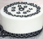 picture of sugar paste  - Wedding cake decorated with fondant and sugar paste flowers - JPG