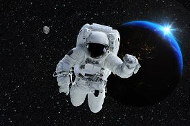image of spaceman  - Astronaut spaceman outer space people planet earth moon - JPG