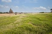 pic of tamil  - Shore temple Mahabalipuram  - JPG