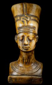 picture of nefertiti  - bust of Queen Nefertiti on the black background - JPG