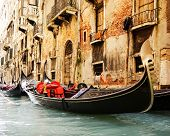 picture of gondolier  - Traditional Venice gondola ride - JPG