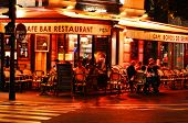 Famed For Its Nightlife Paris Has About 40 000 Restaurants