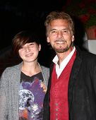 LOS ANGELES - APR 4:  Hana Loggins, Kenny Loggins attends the gala fundraiser for the romantic comed