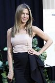 LOS ANGELES - AUG 16: Jennifer Aniston at the world premiere of 'The Switch' held at the Arclight Th