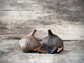 picture of fermentation  - Black garlic caused by a fermentation process of several weeks - JPG