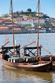 picture of old boat  - Wine barrels in an old boat in Porto - JPG