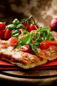 Постер, плакат: Пицца руккола и помидорами черри