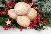image of mistletoe  - Christmas mince pie cakes with holly - JPG