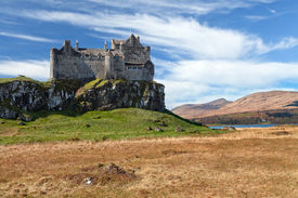 foto of bute  - Duart Castle is a castle on the Isle of Mull off the west coast of Scotland within the council area of Argyll and Bute - JPG