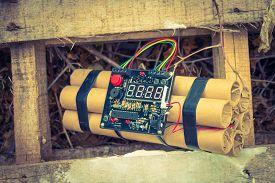 image of time-bomb  - TNT time bomb  - JPG
