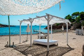 pic of canopy  - Outdoor canopy - JPG