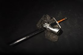 picture of longsword  - Medieval chain mail - JPG
