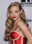 LOS ANGELES - OCT 22: Amanda Seyfried arrives to Hollywood Film Awards Gala 2012  on October 22, 201