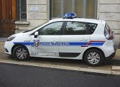 Municipal police car in Avignon, France